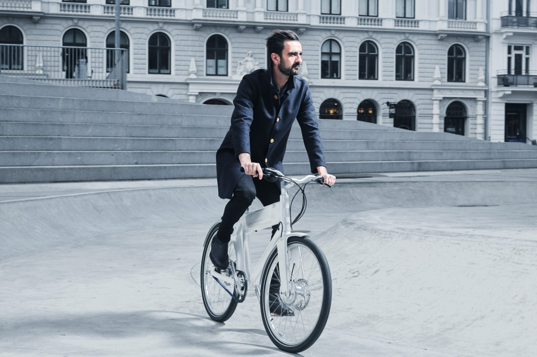 Austere Launches KiBiSi + Biomega OKO Lightweight E-Bike