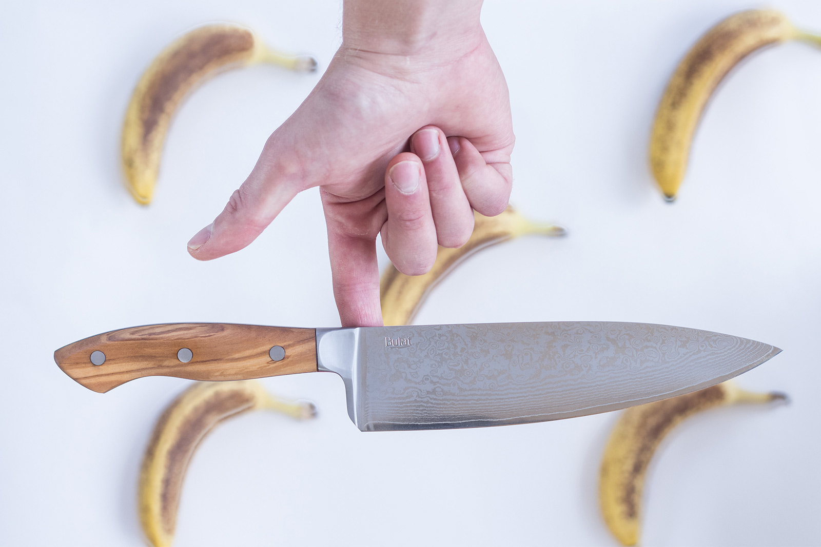 Damascus and bulat knives