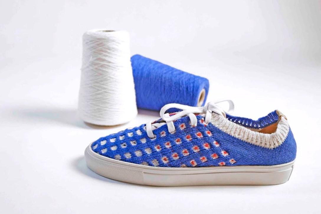 Digital Knitting Machine, Kniterate