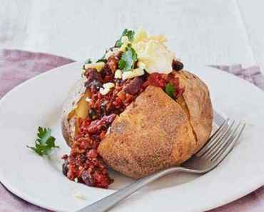Baked chilli & jacket potatoes