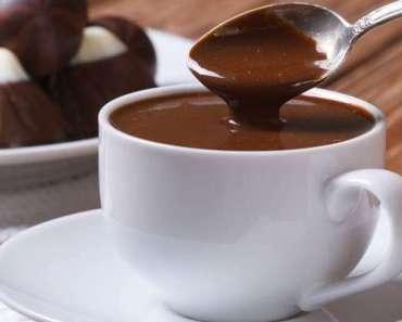 Receita de Chocolate Quente Sem Leite Condensado e Creme de Leite