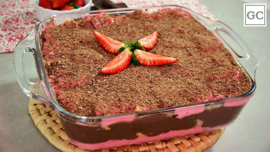 Receita de Pavê de morango com chocolate Da Minha Mãe