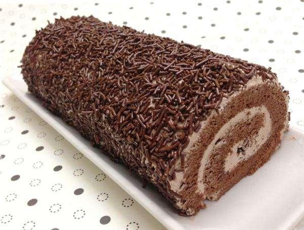 Receita de Rocambole de chocolate simples