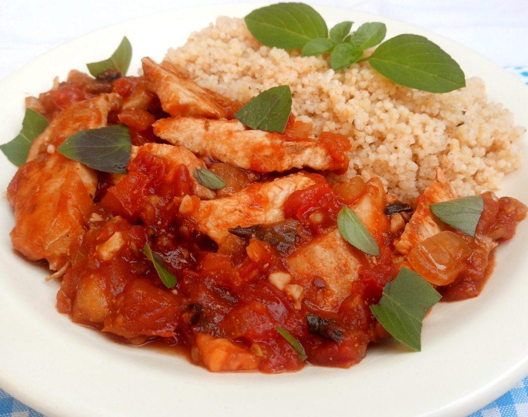 Receita de Filé de frango ao forno com molho de tomate