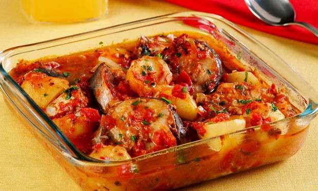 Receita de Peixe Assado no Forno com Batatas
