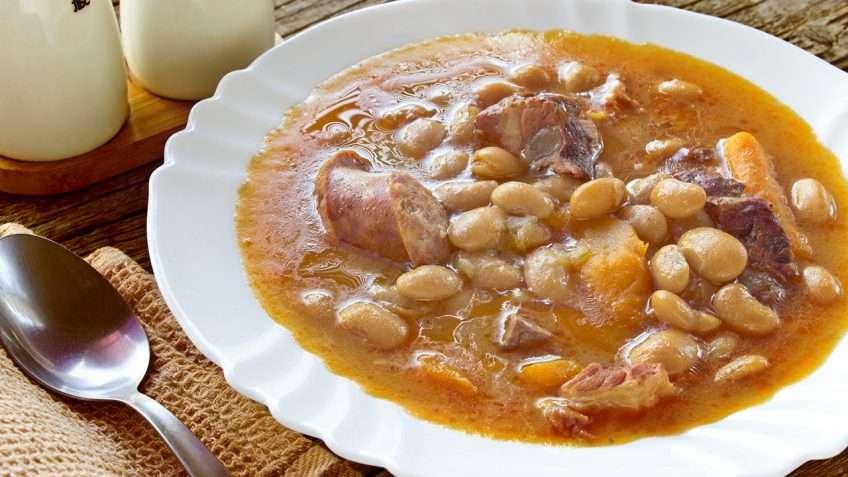 Receita de Sopa de feijão com bacon