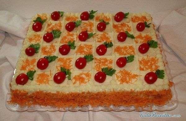 Receita de Torta salgada com pão de forma com Batata Palha