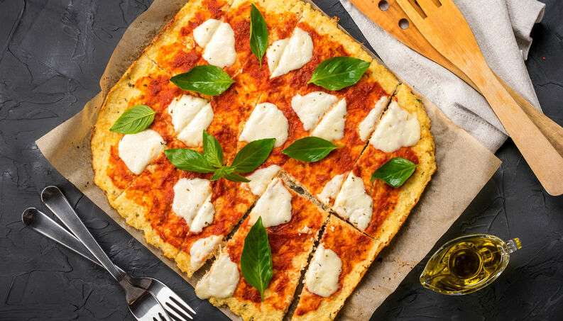 Receita de pizza Low Carb com massa vegana