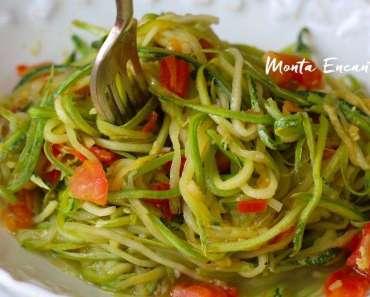 Espaguete de Abobrinha ao alho e óleo