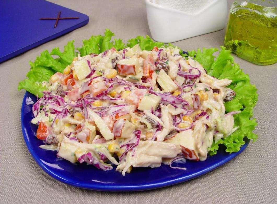 Receita de Salada de Repolho agridoce com frango desfiado