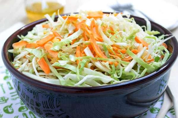 Receita de Salada de Repolho com Cenoura