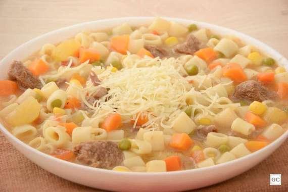 Receita de Sopa de carne com legumes da Vovô
