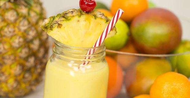 Receita de suco de abacaxi com morango, biomassa e quinoa