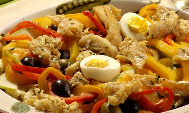 Receita de Salada de bacalhau e ovos Simples e Barato