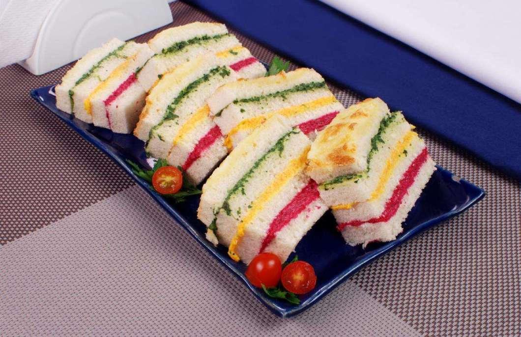 Receita de Sanduíche colorido