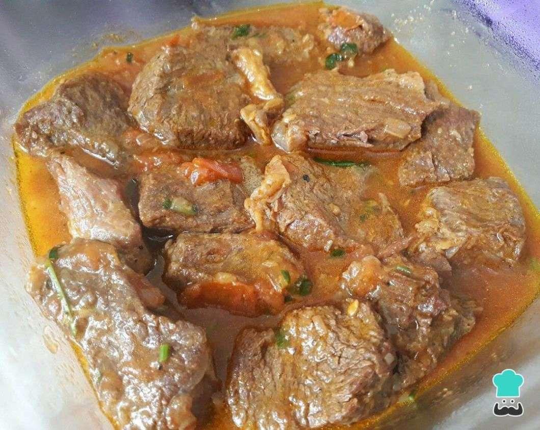 Receita de Carne de panela ao molho de urucum