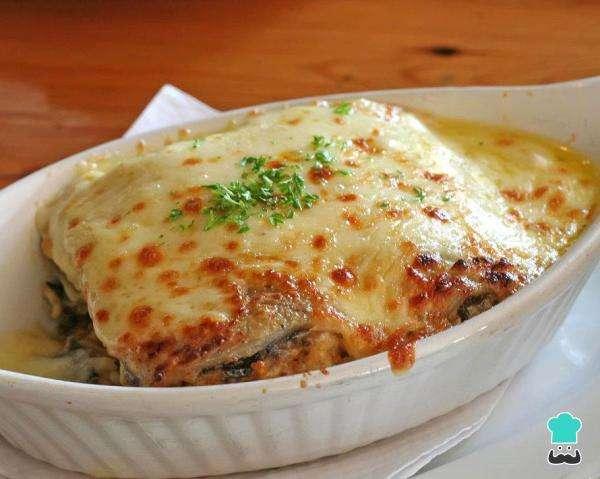 Receita de Lasanha de berinjela com queijo branco Low Carb