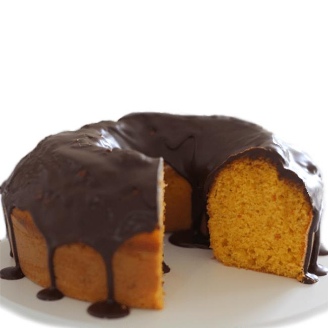 Receita de Bolo de cenoura com cobertura de chocolate cremosa