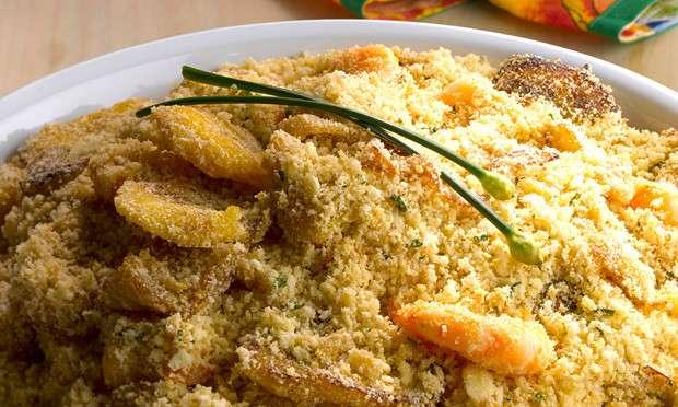 Receita de Farofa de banana com camarão