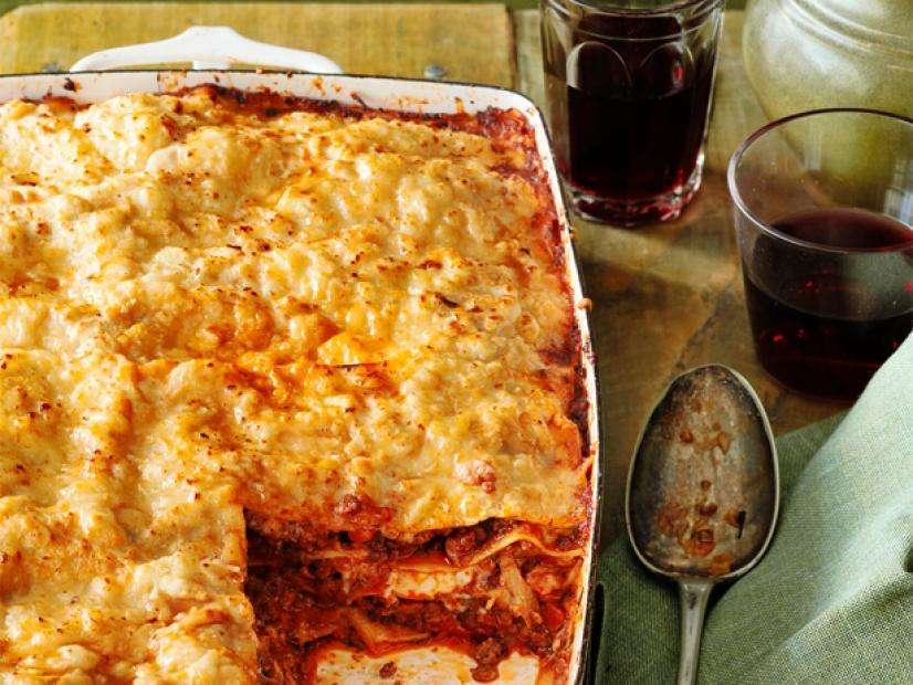 Receita de Lasanha à bolonhesa com creme de ricota