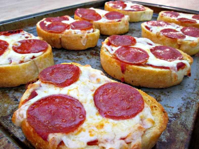 Receita de Pizza de Pão de Forma para Lanche