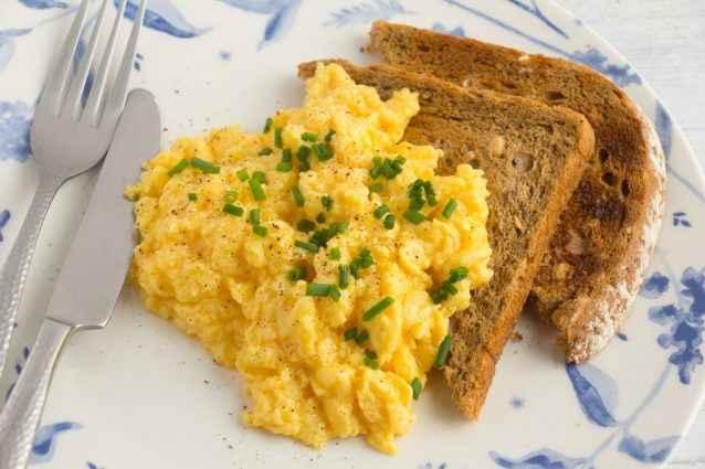 Receita de Ovos Mexidos Tradicional