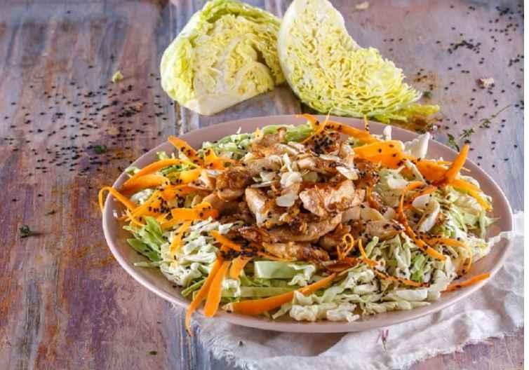 Receita de Salada de Frango Asiática