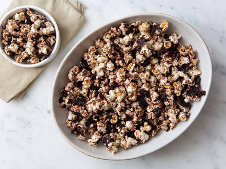Receita de Pipoca de Chocolate simples e fácil