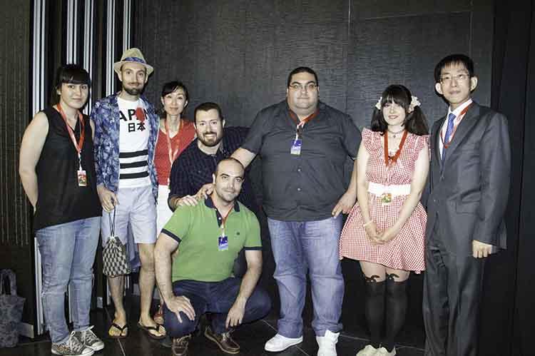 Parte del equipo de CoolJapan con Hajime Kishi, asesor de Cultura y Prensa de la Embajada del Japón en España
