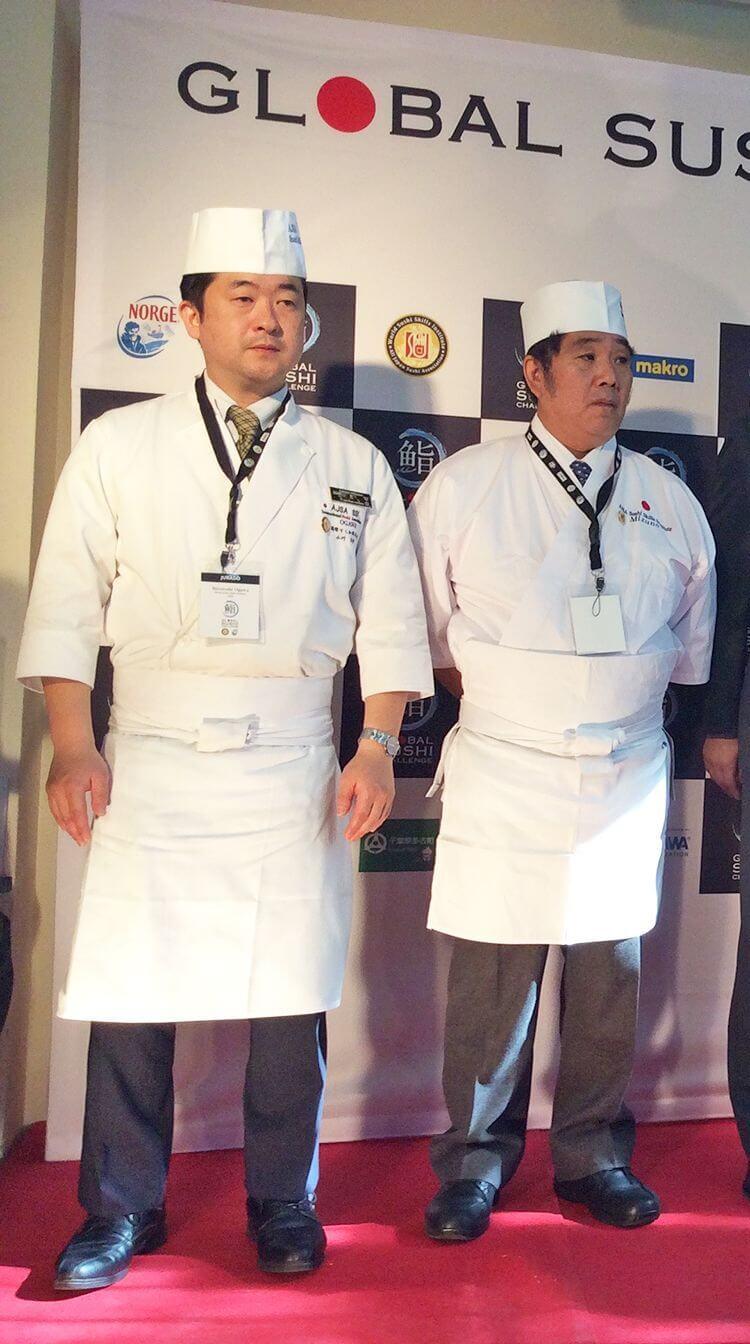 A la izquierda, el maestro Ogawa; a la derecha, el maestro Mizuno.