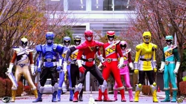 ¡Los Busters (con sus Power Up) y los Kyoryuger, combinan sus fuerzas para poder derrotar a un enemigo mortífero!