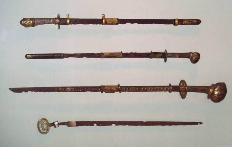 Espadas de periodos Kôfun- Asuka (Japón)