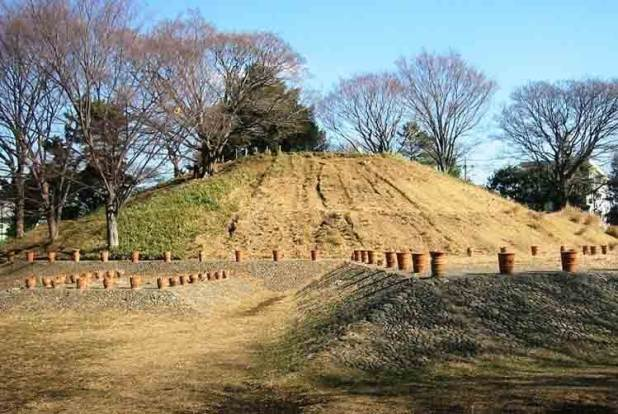 tumba en tokio