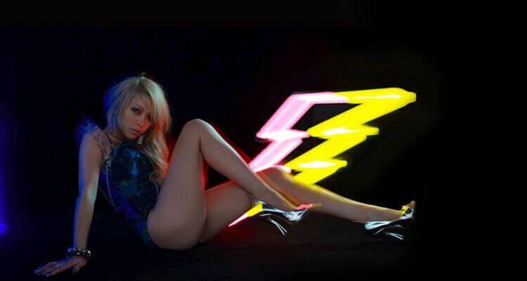 Imagen promocional del primer álbum de mini