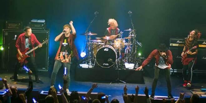 Flow actuando en el Japan Music Party de París