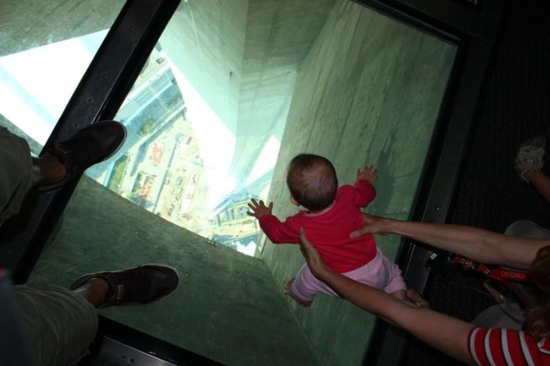 CN Tower - things to do with kids in Toronto
