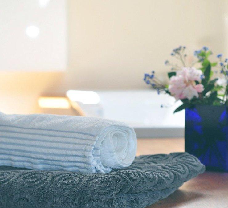 沐浴冥想將冥想的標準好處與放鬆,熱浴的好處結合在一起,可以舒緩疲倦的肌肉,提供平靜的氛圍,並讓您暫時擺脫壓力源。