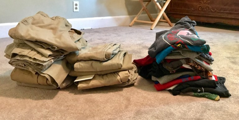 Resultado de imagen de piles of clothes previous to the capsule wardrobe