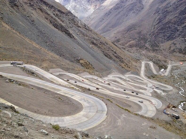 Las carreteras más peligrosas para ir en moto 1