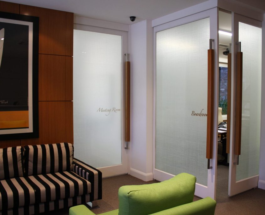 decorative-office-privacy-architectural-finishes-boardroom