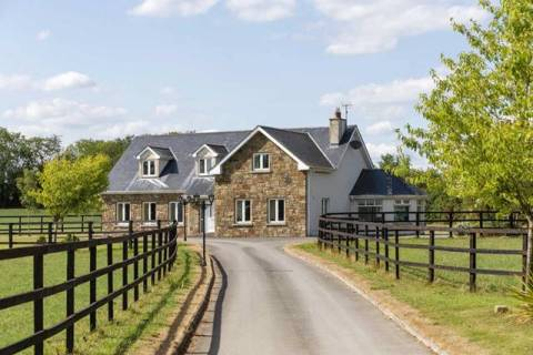 Arodstown Stables, Moynalvey, Summerhill Co. Meath on approx. 88 acres