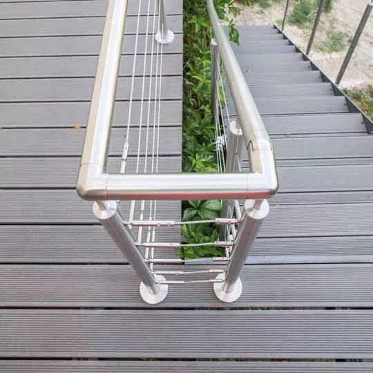COOP aux BOIS : menuiserie reprise Froment • Garde corps escalier et surfaces terrasse composite
