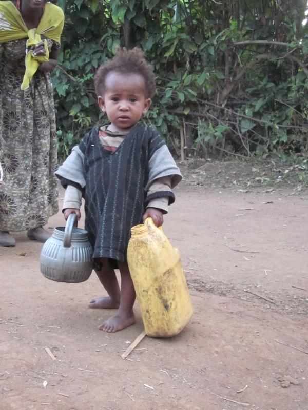 Salut per a tots/ salud para todos etiopia gambo