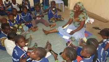 La Joie des Orhelins escolariza al pequeño Alassane africa