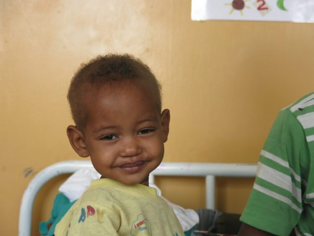 Mati: La sonrisa de la alegría africa alegria gambo alegria sin fronteras dr alegria gambo