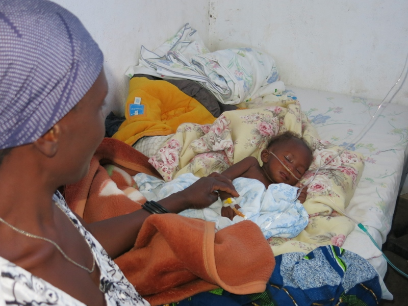 Para salvar a una hija no puedo dejar morir a otra africa