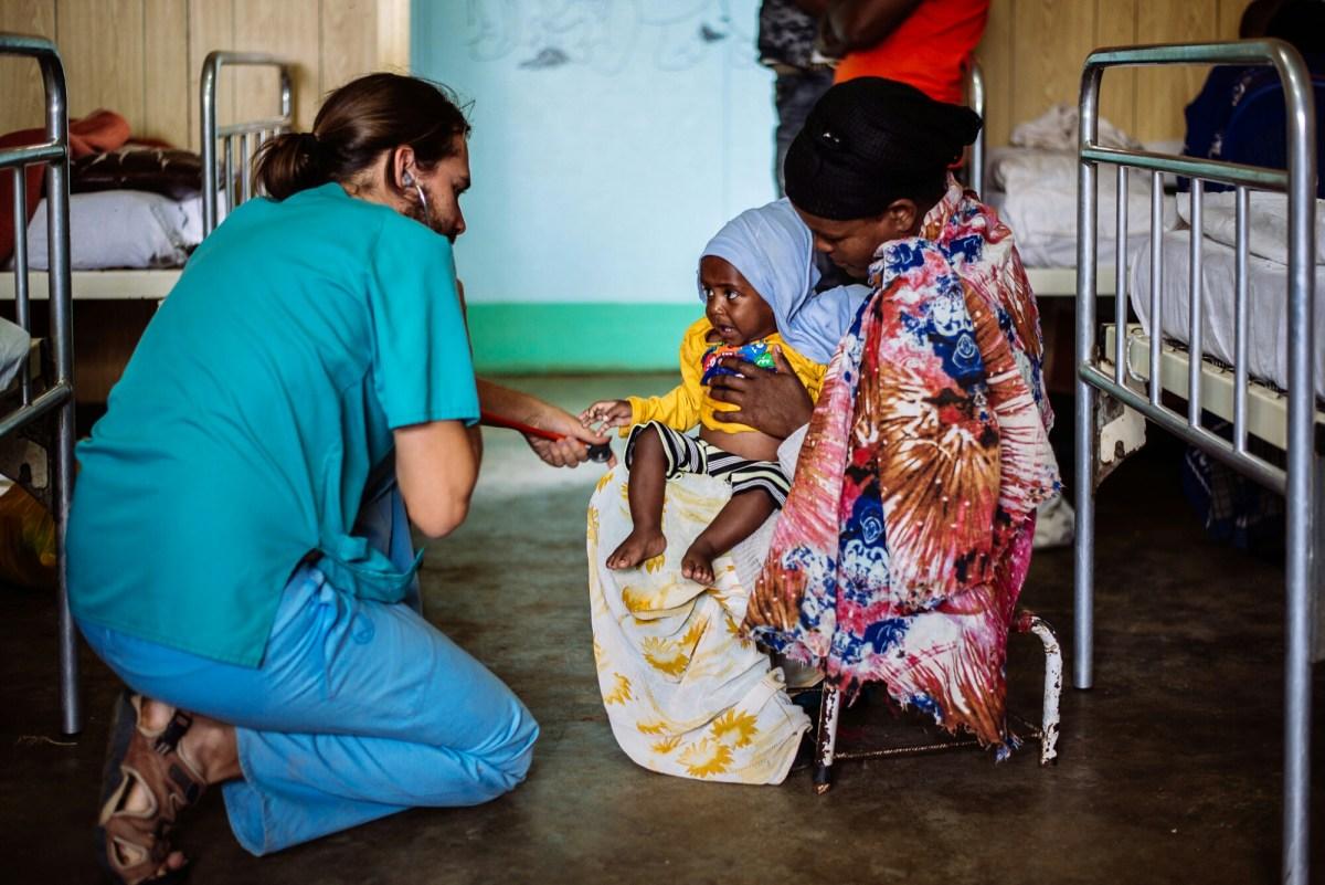 Nadie está a favor del hambre, pero tampoco casi nadie hace nada en contra alegria gambo alegria sin fronteras dr alegria etiopia gambo