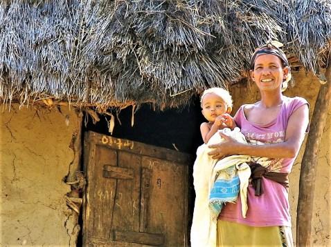 Etiopía. Madre e hijo.