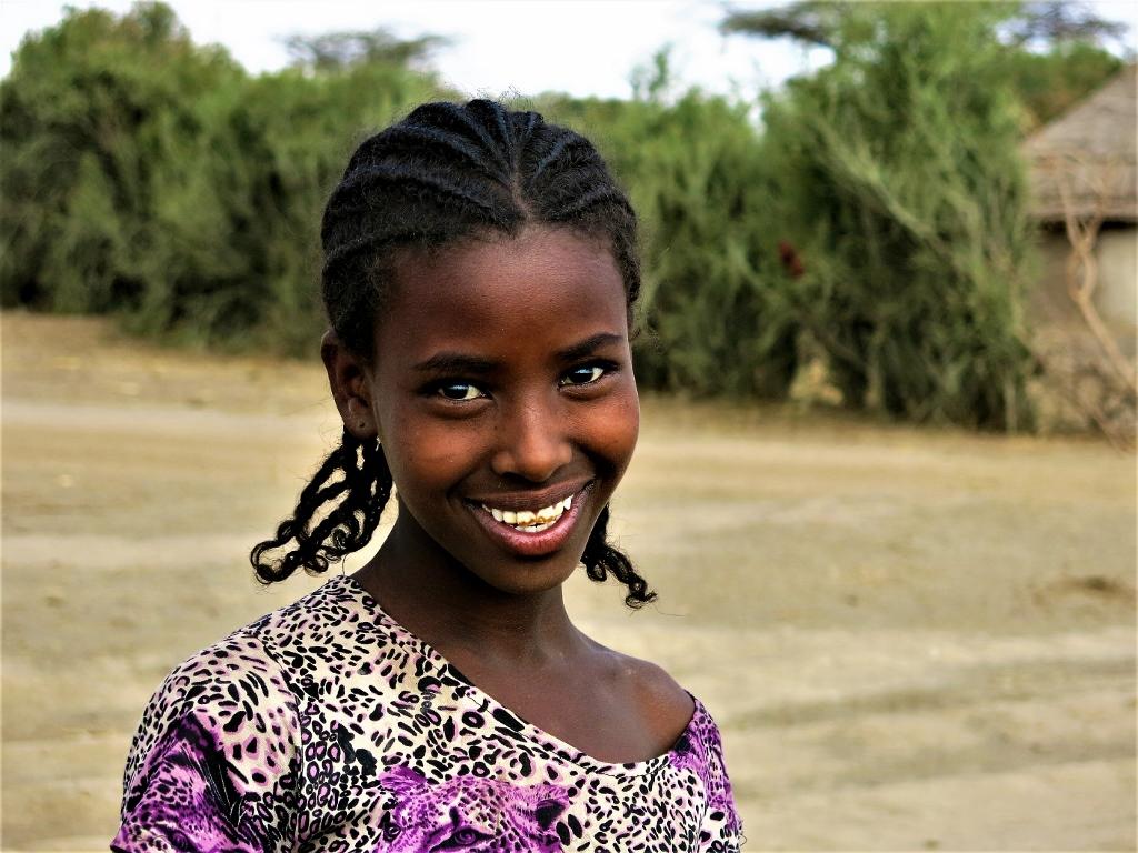 Niña nací en Etiopía africa alegria gambo alegria sin fronteras dr alegria etiopia