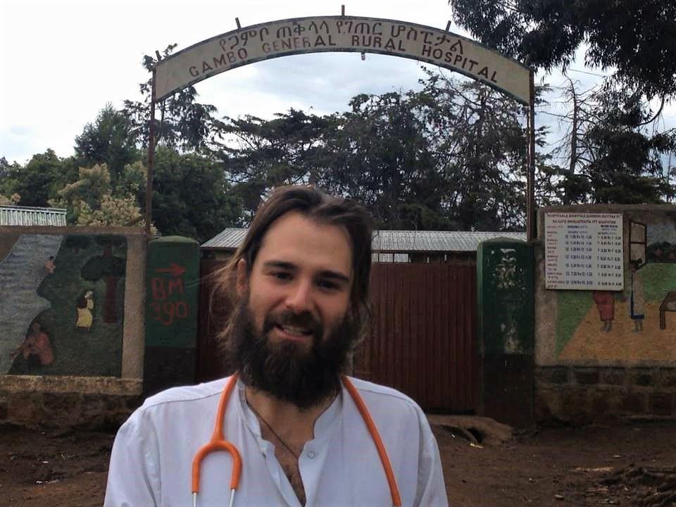 Las puertas del hospital de Gambo no pueden cerrar